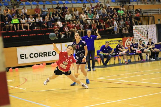 Balonmano | Nayla De Andrés renueva con el Zuazo donde ha jugado desde la categoría cadete