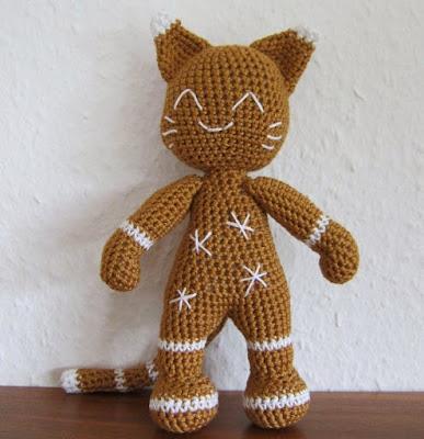Вязаный кот пряник