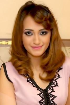 زينب اسامة (Zinab Oussama)، مغنية مغربية