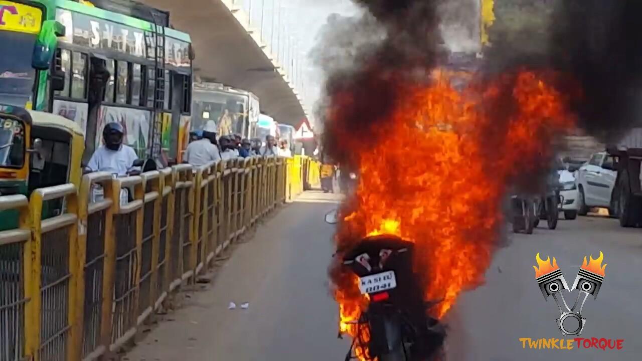 Bajaj Pular RS200 catches fire twinkle torque