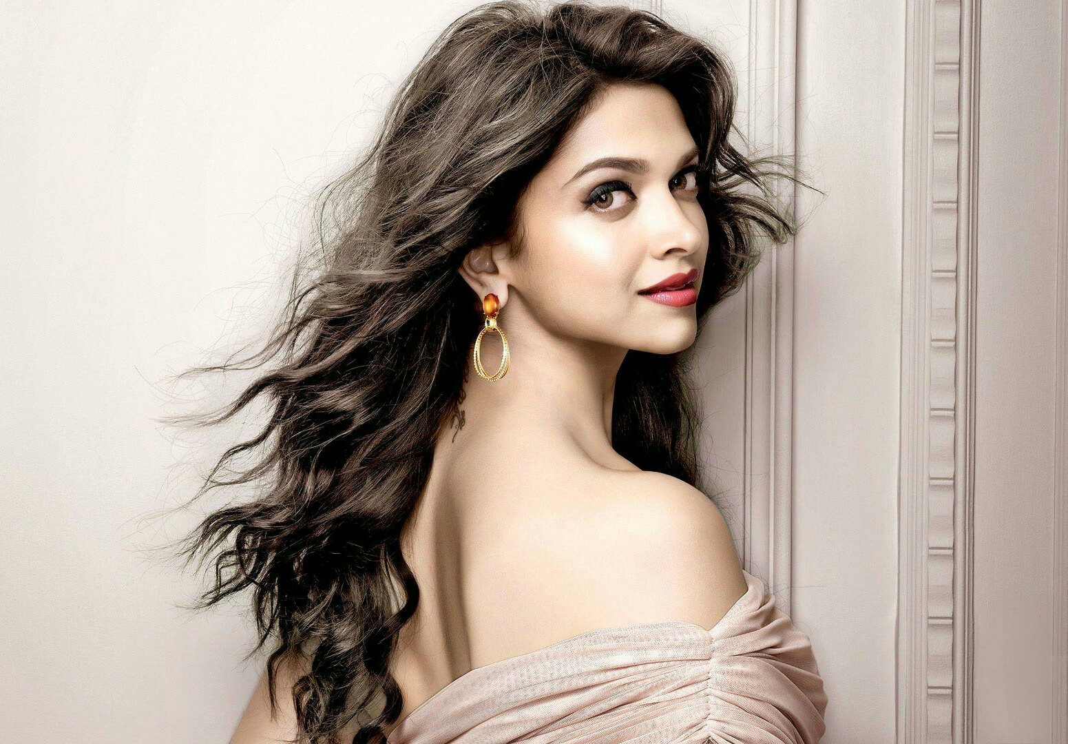 Deepika Padukone Latest Hot Photos, Wallpapers - Beautiful -9645