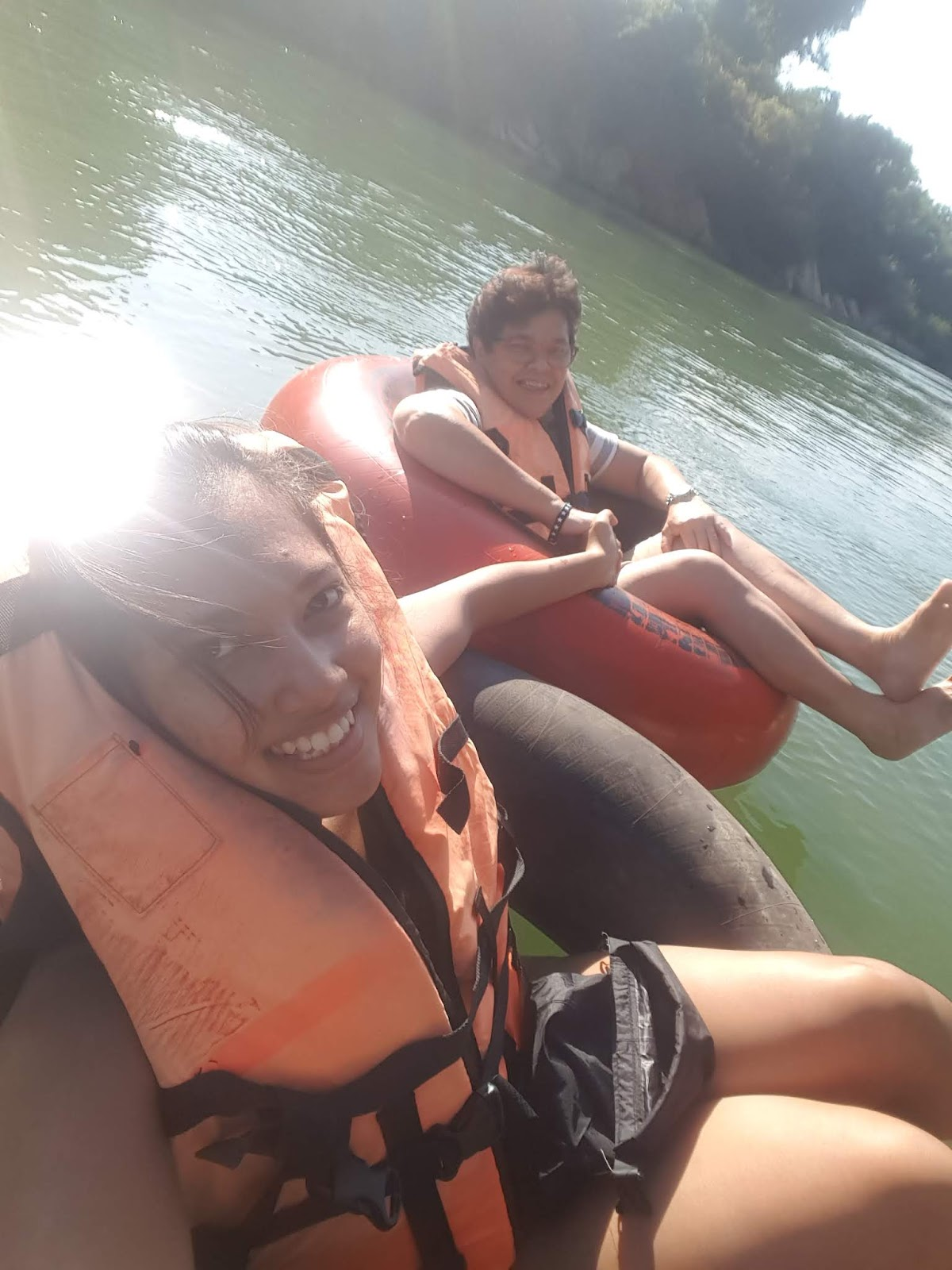 Tubing in Vang Vieng Laos - Ummi Goes Where?