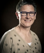 Patricia van der Broek, Belast verleden, uitgeverij Palmslag