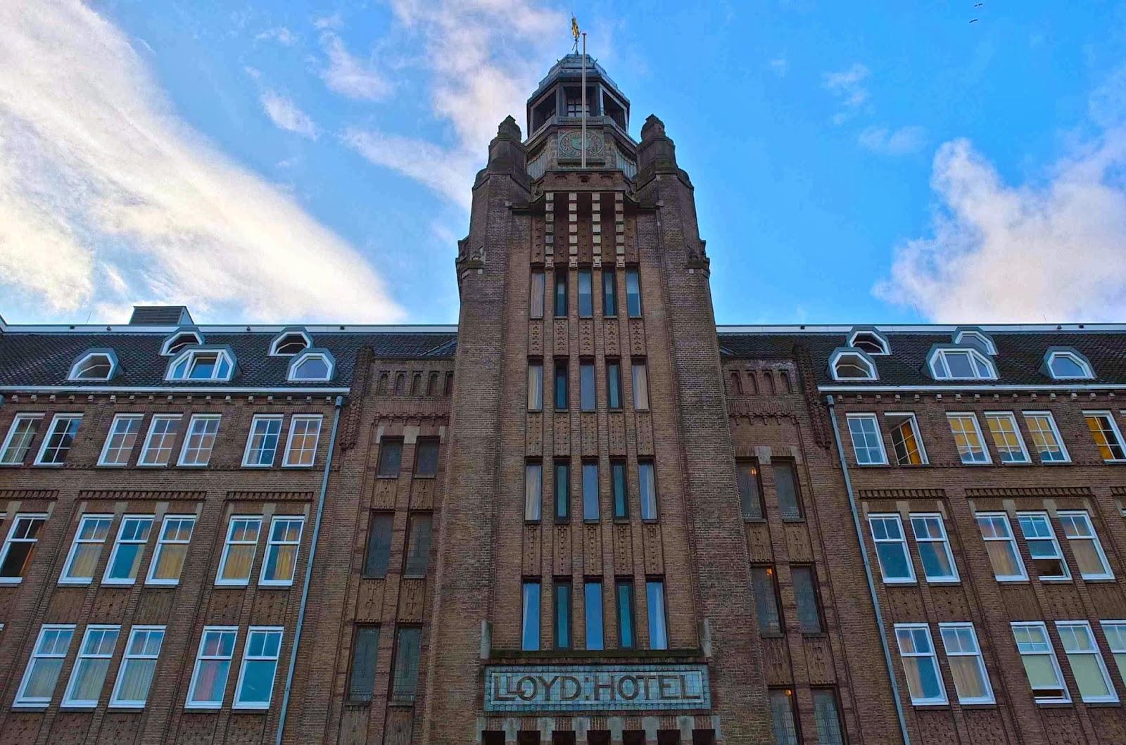 slavia vintage le blog de l 39 est design d co et lifestyle lloyd hotel amsterdam. Black Bedroom Furniture Sets. Home Design Ideas