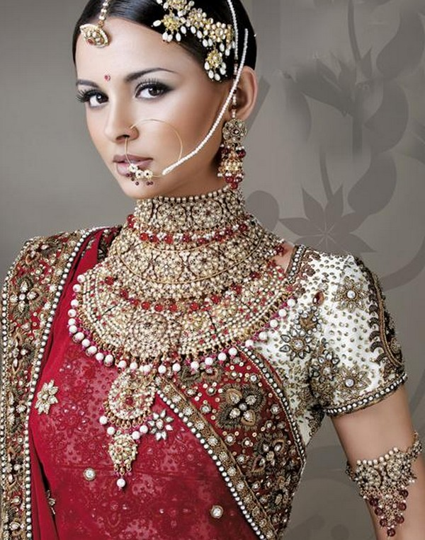 Hollywood Trendy: Indian Bridal Jewellery 2012 |Indian Bridal Jewellery