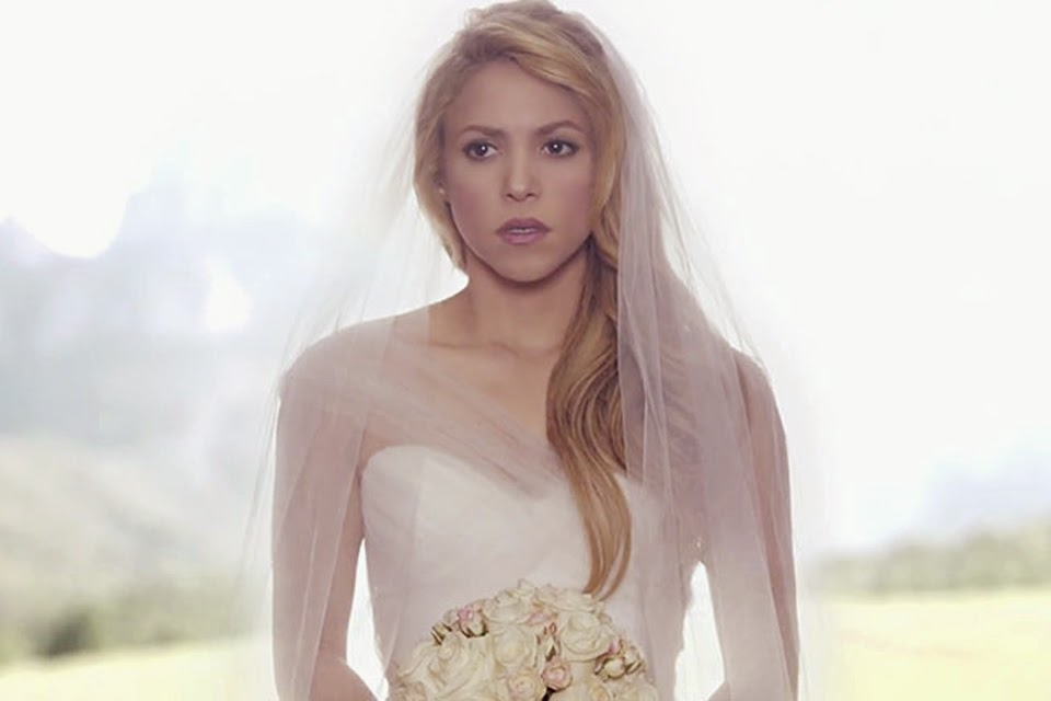 Shakira de noiva clipe Can't Remember To Forget You