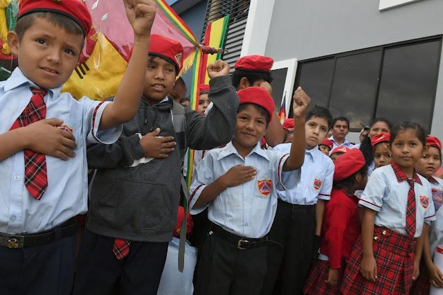 Niños de la unidad educativa Ernesto