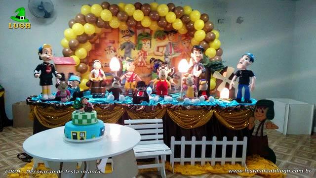 Decoração de aniversário - Mesa tradicional luxo de tecido(pano) masculina tema Chaves
