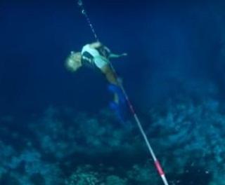 VIDEO - Bocah Ajaib Umur 3 Tahun Ini Bisa Menyelam di Laut Tanpa Alat Bantu Pernapasan