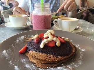 glutenfreie Pancakes im Cafe Organic in Seminyak Bali