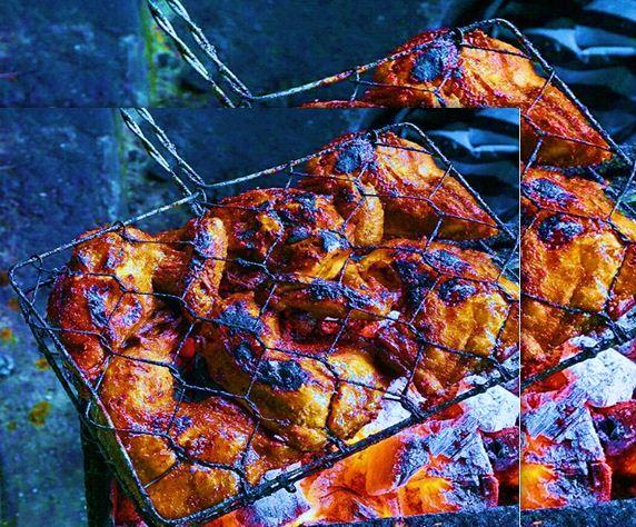 Pengen bikin ayam bakar super enak bunda Resep Ayam Bakar Bumbu Rica-Rica Spesial Tahun Baru