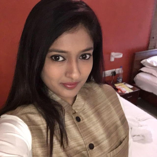 Gayathri Raguram marriage photos, family, wiki, gayathri raghuram hot, wedding, actress, dancer marriage photos, family, hot images, twitter, hot photos, dance master, facebook, movie list