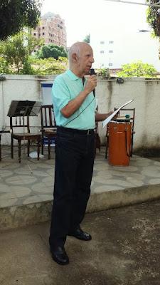 O presidente da ALLA, Dr. Ronald Alvim, faz a abertura do evento.