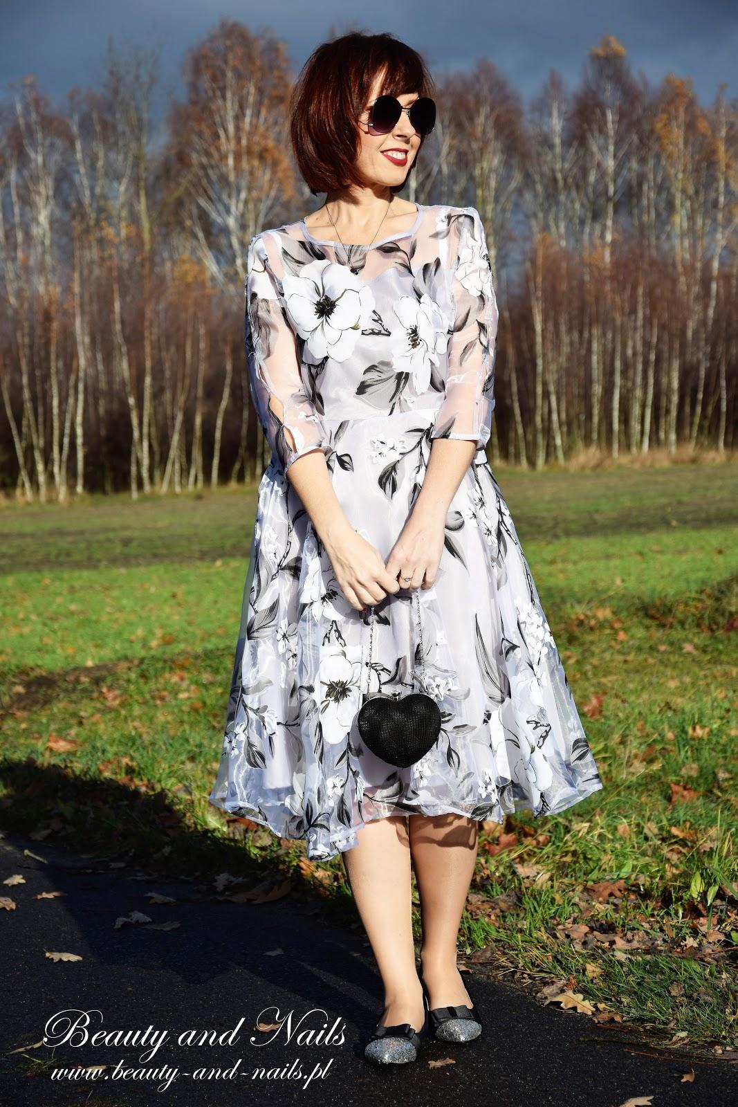 cb211b47a076c ... z tych eleganckich, więc idąc na wesela, czy jakieś przyjęcia  okolicznościowe spokojnie możemy ją założyć :) Ta sukienka pochodzi ze  sklepu FashionMia.