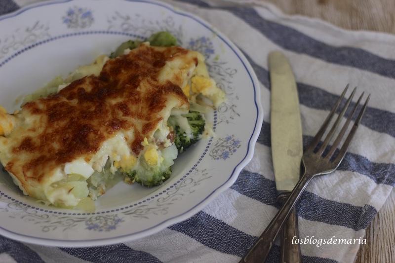 Pastel de brócolis con pechuga de pollo