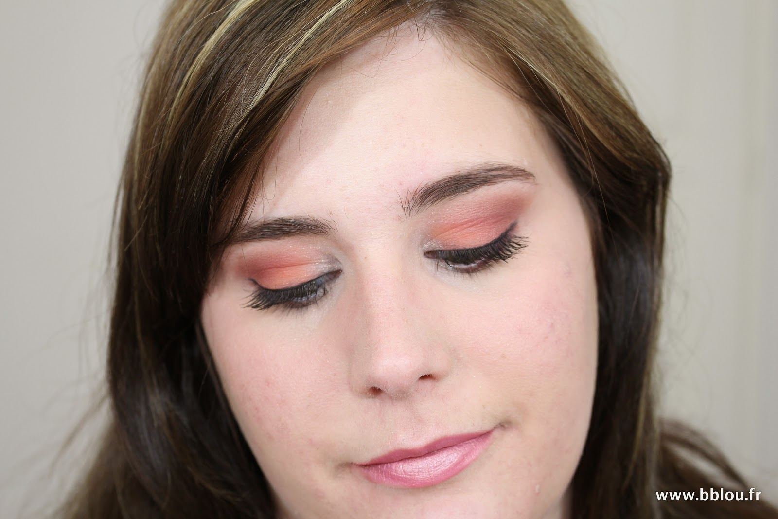 http://www.beautybylou.com/2014/07/make-up-corail-estival.html
