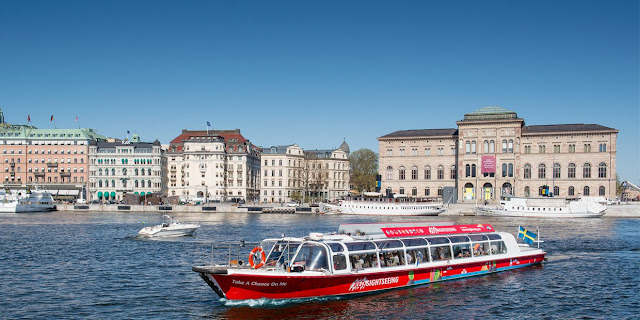Sightseeing tours by boat to some extent is to be expected