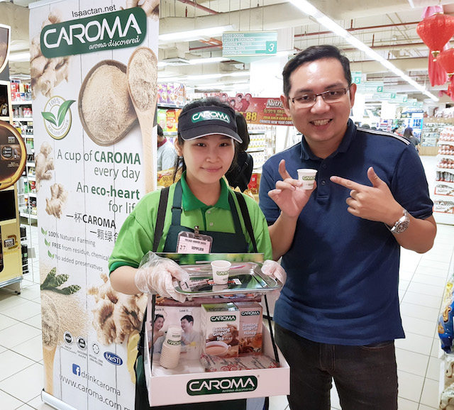 Nice promoter girl, stationed at the Caroma Bentong Ginger Tea booth over at Village Grocer Sunway Giza