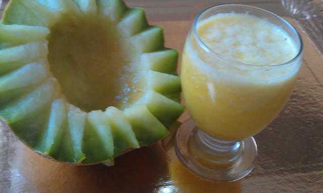 عصير البطيخ الأصفر المنعش والصحي لتصفية الجسم من السموم
