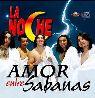 Foto del grupo La Noche con torso al descubierto