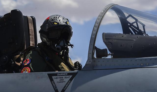 Fotos de los F-18 españoles en el Red Flag (EE.UU)
