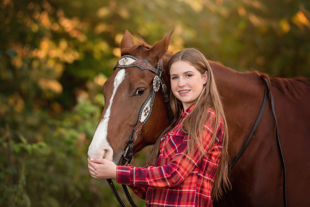 Amazing senior portraits with horse for girls