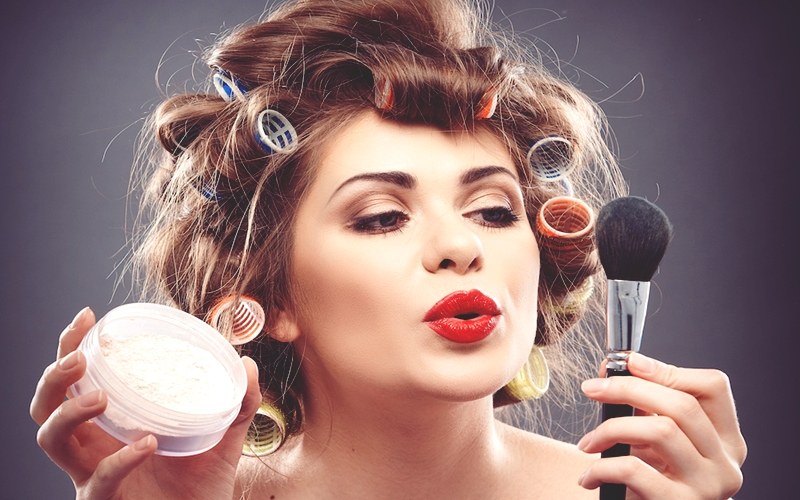 Makyajınızın Sizi Yaşlı Göstermesinin 5 Nedeni