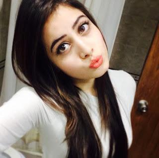 Adalah seorang model dan juga aktris televisi India Biodata Urfi Javed Terlengkap, Suami, Hobi, Fakta, Foto dan Banyak Lagi