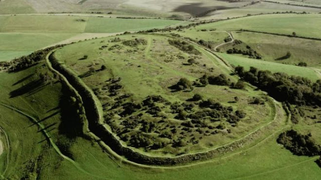 5,000-year-old hill fort 'damaged by metal detectors'