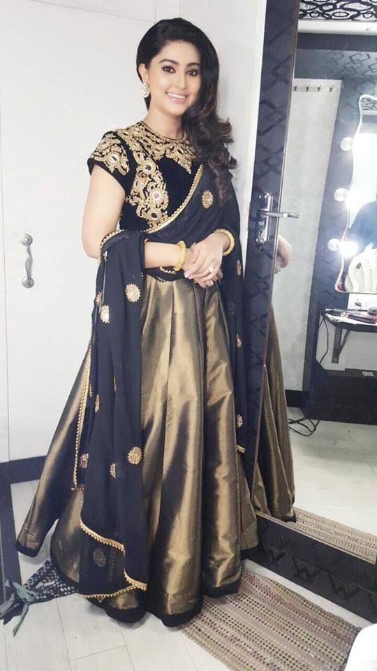 Sneha Black and Gold Salwar