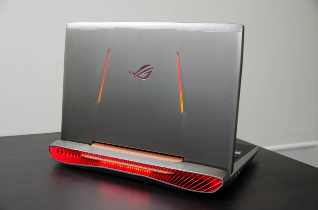 ASUS ROG G752VS I7 GAMING NOTEBOOK rear