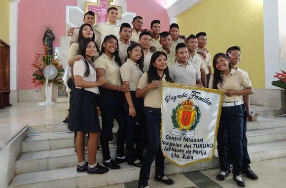 graduan-primera-promocion-bachilleres-el-tukuko