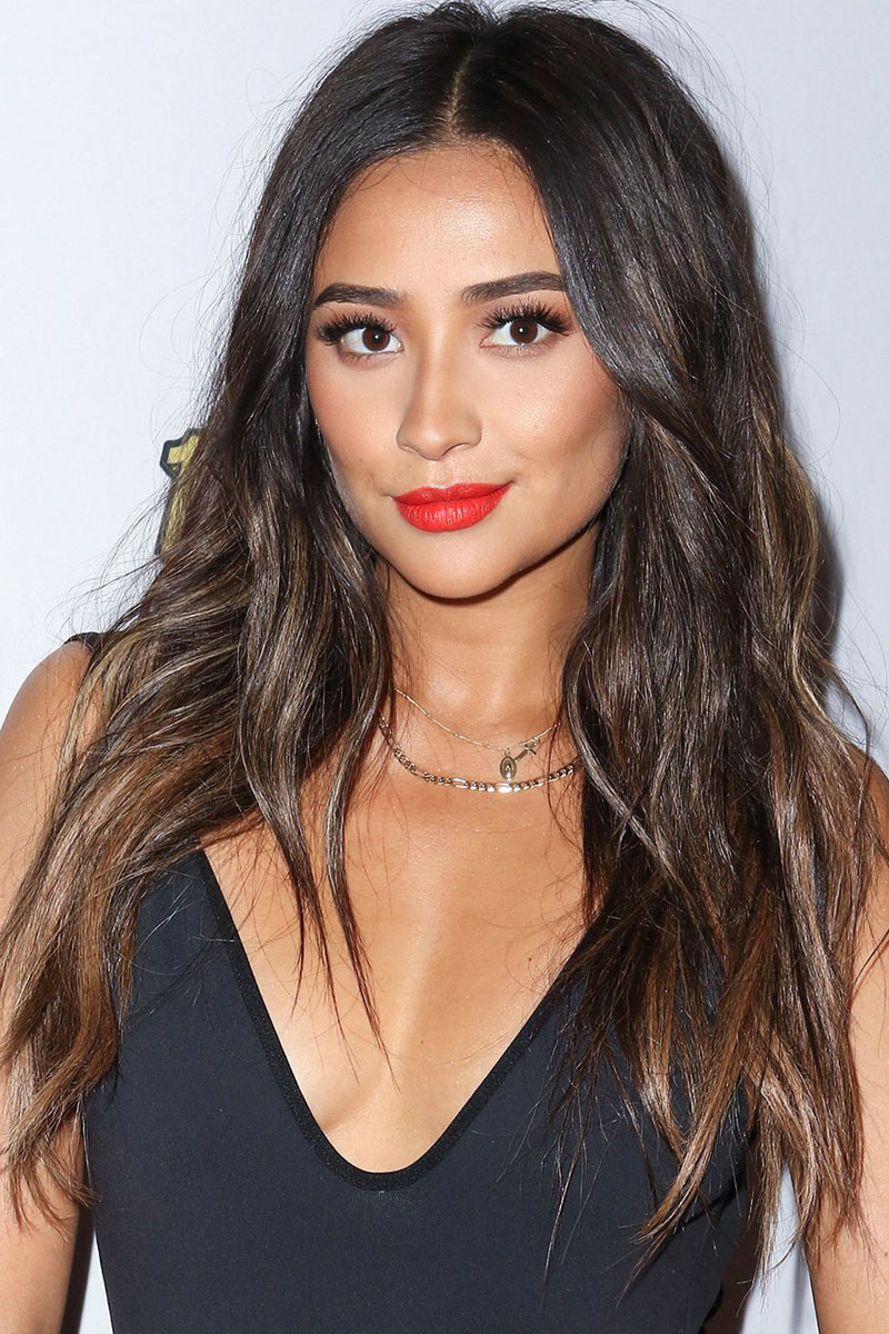 7 Celebs Who Prove That Black Hair Deserves A Layer Of Highlights