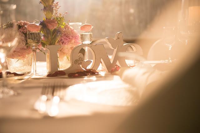 LOVE, Herbsthochzeit, Finnland, weddings abroad, heiraten in Garmisch-Partenkirchen, Hochzeitshotel Riessersee Hotel, Bayern, Bavaria, moutain wedding, Oktober, Pastellfarben, Seehaus, Beste Aussichten, Hochzeitsplanerin Uschi Glas wedding planner, Fotografie Max Merget