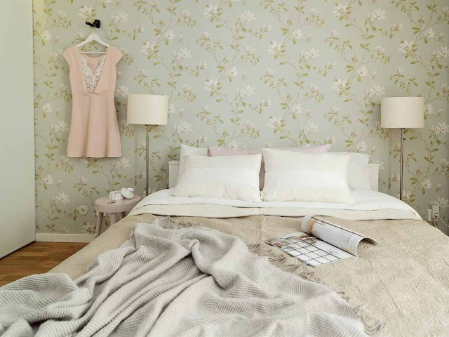 Your Most Feminine Bedroom With Floral Wallpaper 1