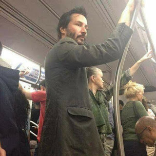 Keanu Reeves transporte publico