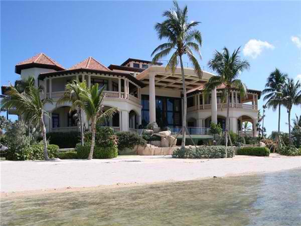 Ruez Living: BEACH FRONT HOMES