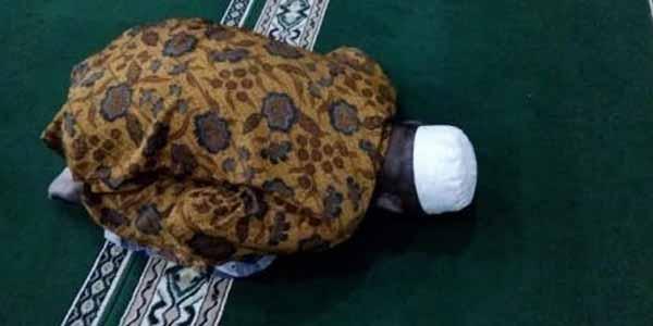 Kisah Lengkap Pak Miftah, Pemakmur Masjid yang Meninggal dalam Keadaan Sujud