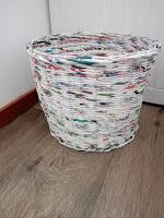 vuilnisbak van papier, door HeyLeuk