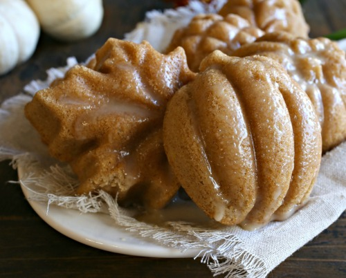 Maple-Glazed-Autumn-Spice-Treat-Cakes-4