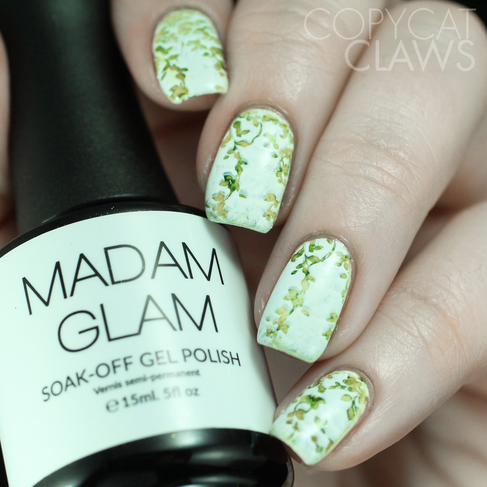 Base Madam Glam Perfect White With Green Alcohol Inks
