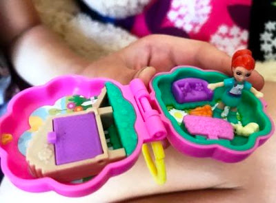 Open pocket-sized Polly Pocket Hoppin Hangout with Lila