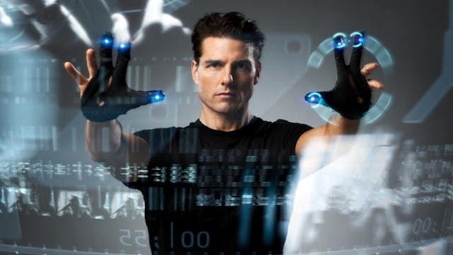John Anderton (Tom Cruise) dans Minority Report, réalisé par Steven Spielberg (2002)