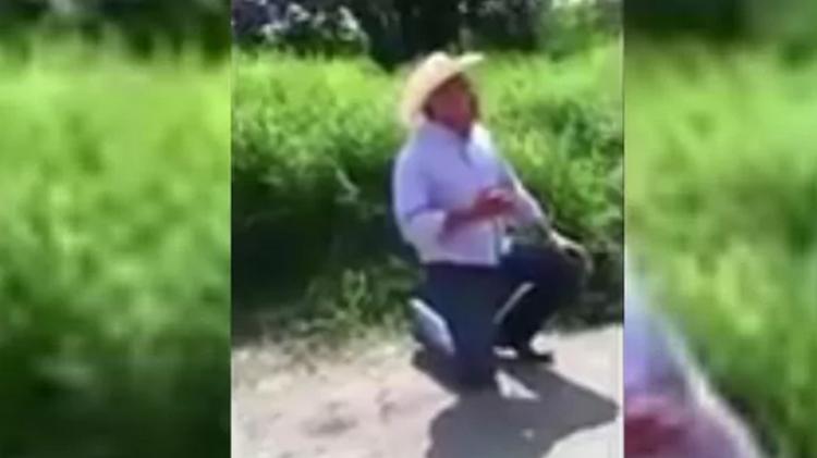 """VIDEO: """"Los Rojos"""" obligan a alcalde Jorge Bustamante a pagar 5 millones de pesos de """"derecho de piso""""."""