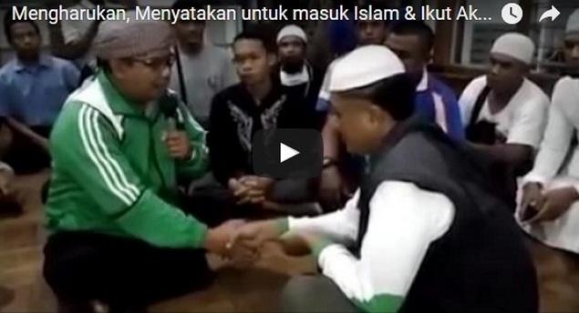 Mengharukan... Menyatakan Masuk Islam dan Langsung Berangkat Ikut Aksi Bela Islam 212
