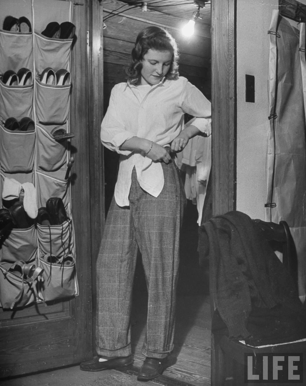 Photos Of American Teenage Girls, 1944  Vintage Everyday-9227