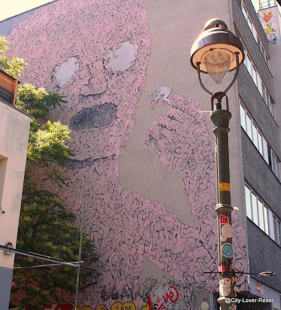 Berlin street art in Kreuzberg