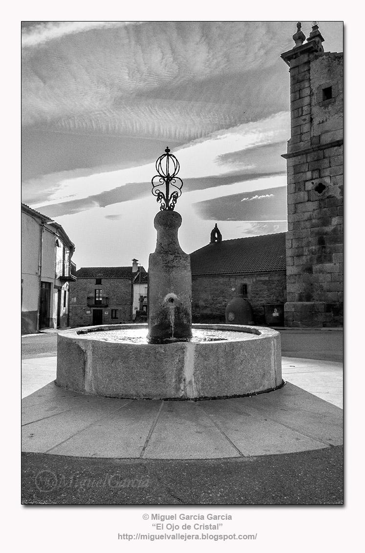Valdesangil. Plaza de la Iglesia.