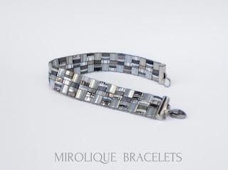 серый браслет, подарок для подруги, украшения ручной работы