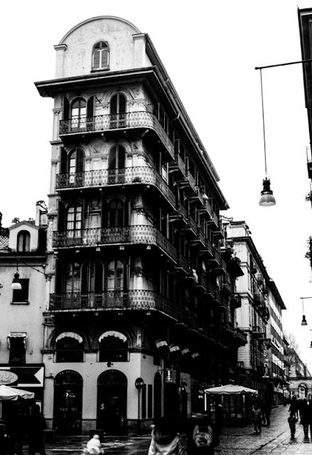 La CASA SENZA FINESTRE, architettura Torino, Italia
